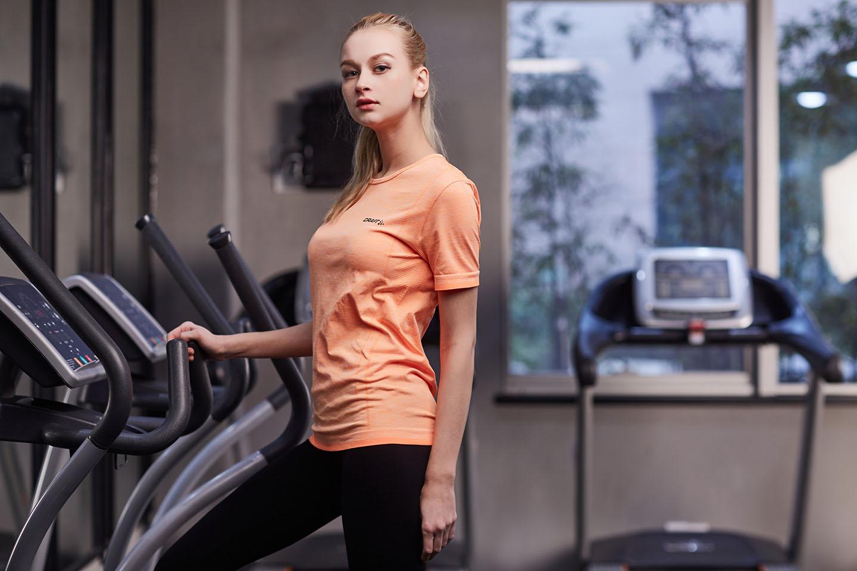 Производитель Женщина Удобный заказ Wear бесшовной футболки, NE298-S-1010